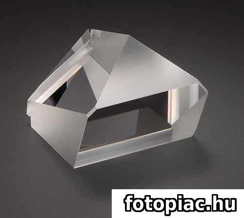A tükörreflexes fényképezőgép optikai keresőjének fontos része a pentaprizma