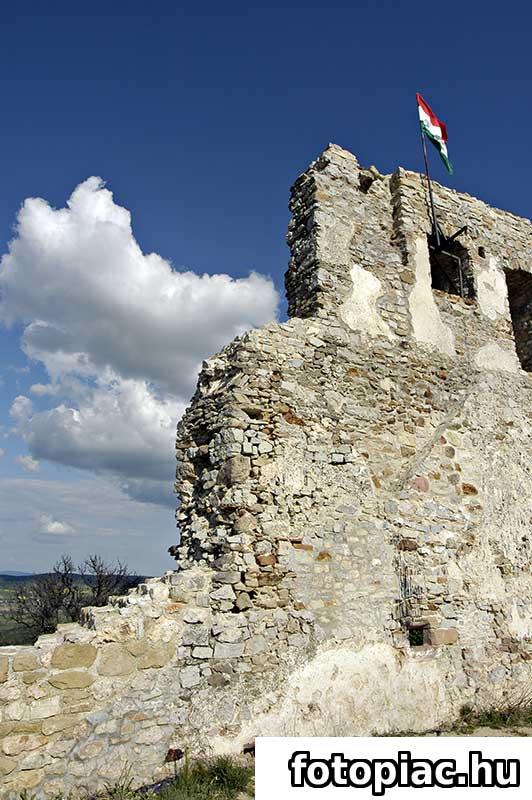 Könnyed túrák a Rezi várhoz, vár, túra, utazás, kirándulás, hegymászás, hegy, rom, műemlék, kikapcsolódás
